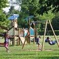 Nuove giostre per bambini nelle aree comunali