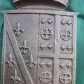 Ritrovato lo stemma bronzeo del Comune di Canosa