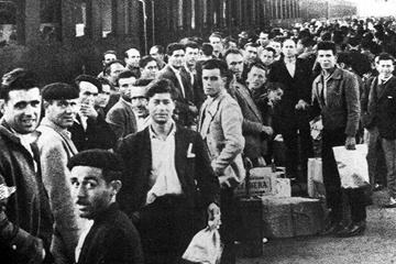 Disoccupazione: emigranti (foto storica)