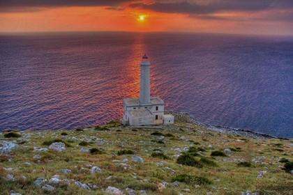 Alba dei Popoli Faro Palascia