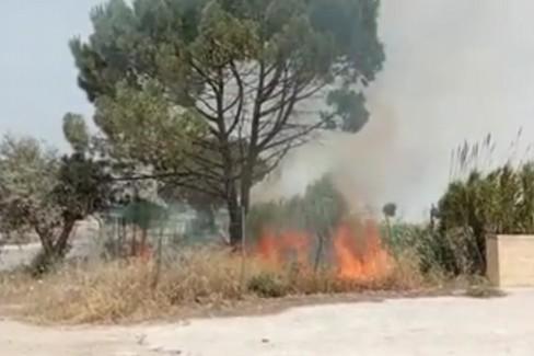 Incendio presso Mausoleo Bagnoli