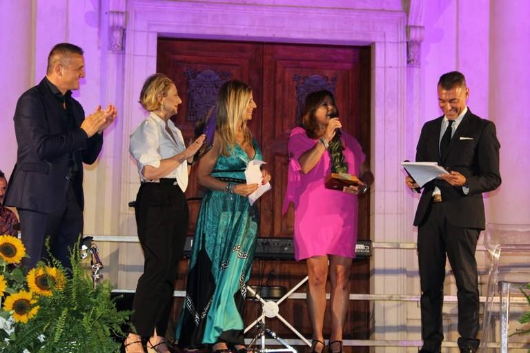 Premiazione Gabriella Genisi  Canosa Premio Diomede 2019