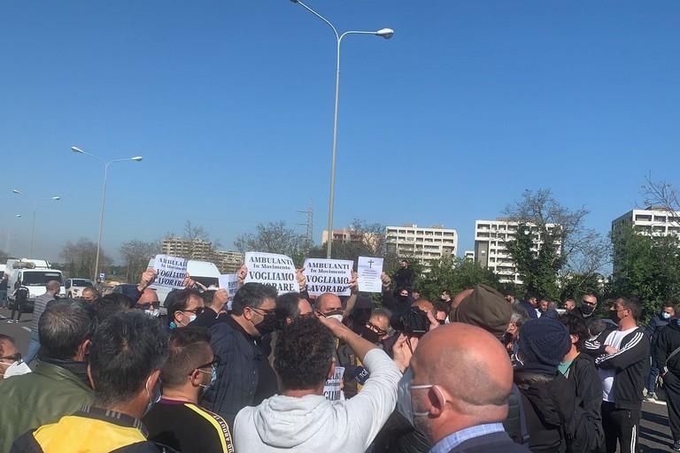2021 Bari  Protesta ambulanti