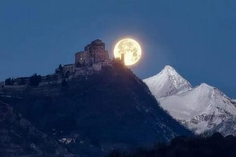 Luna piena Sacra di San Michele  PH DUILIO FIORILLE