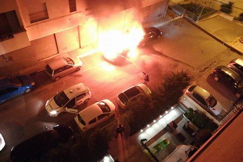 Incendi : via Caduti del Lavoro- Canosa
