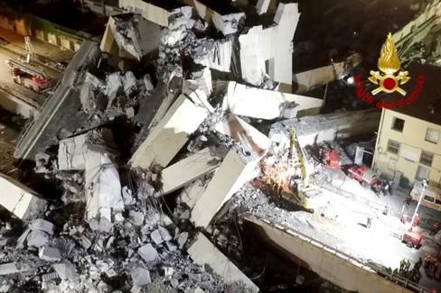 Genova Vigili del Fuoco crollo Ponte Morandi