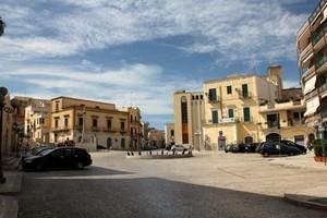 Piazza della repubblica Canosa