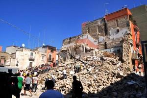 Crollo Via Roma Barletta