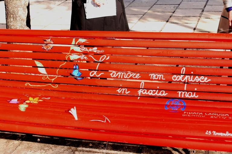 L'amore non colpisce in faccia mai Canosa Piazza Ferrara