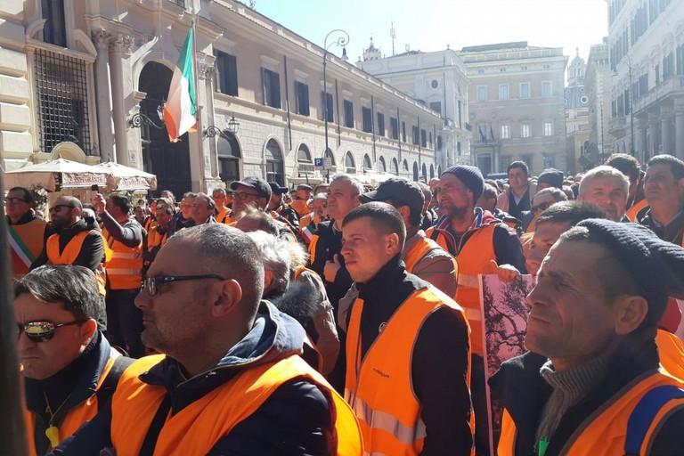 Roma Gilet Arancioni Ventola